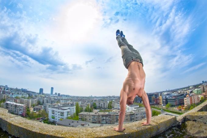 flow handstand